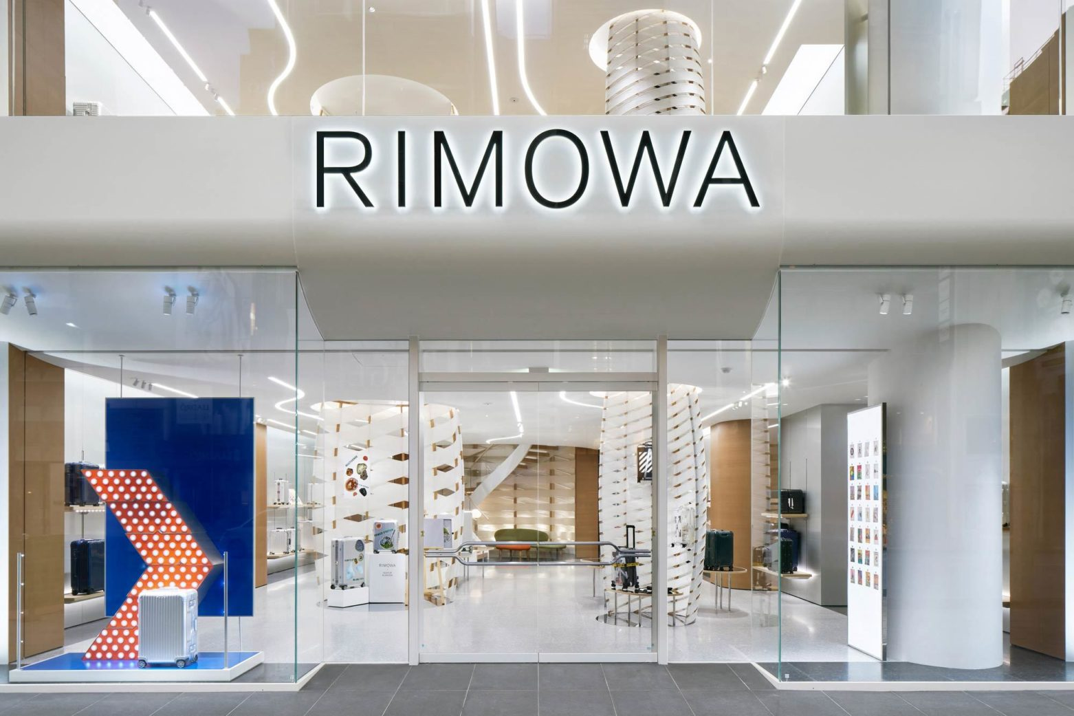 Labvert Rimowa Ginza Daici Ano 02